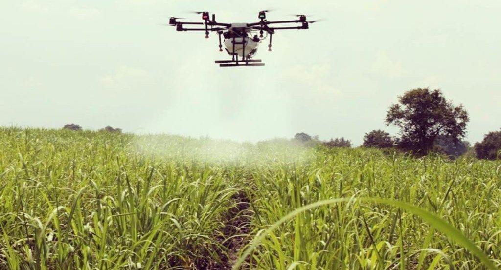 pulverização com drones