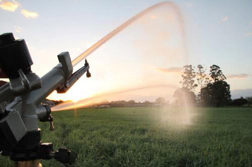 sistema-de-irrigação.jpg (500×333)