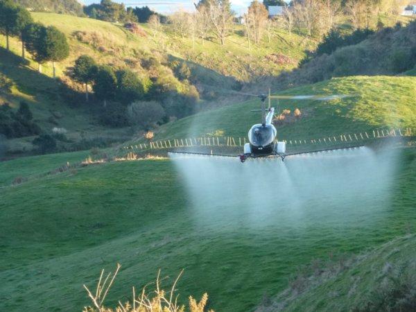 helicoptero para pulverização